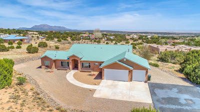 Tijeras, Cedar Crest, Sandia Park, Edgewood, Moriarty, Stanley Single Family Home For Sale: 25 Lauren Taylor Court
