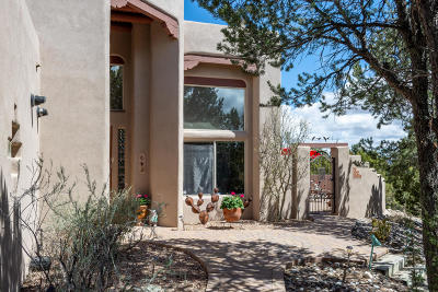 Tijeras, Cedar Crest, Sandia Park, Edgewood, Moriarty, Stanley Single Family Home For Sale: 51 Chaco Loop