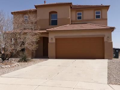 Single Family Home For Sale: 5585 Gladstone Drive NE