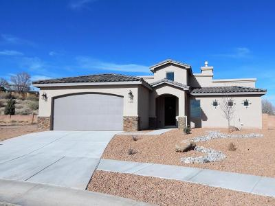 Los Lunas Single Family Home For Sale: 1490 Corta Corona SW