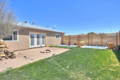 Tijeras, Cedar Crest, Sandia Park, Edgewood, Moriarty, Stanley Single Family Home For Sale: 35 Baugus Lane