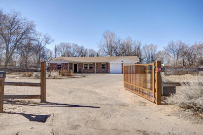Single Family Home For Sale: 8 Pueblito Road
