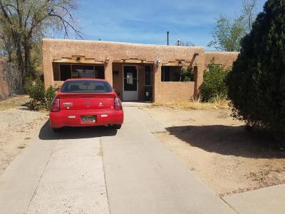 Albuquerque Single Family Home For Sale: 2414 Cardenas Drive NE