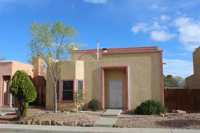 Albuquerque Single Family Home For Sale: 7713 Pinewood Drive NW