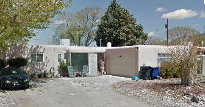 Albuquerque Single Family Home For Sale: 10601 Snowheights Boulevard NE