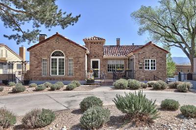 Albuquerque Single Family Home For Sale: 912 Ridgecrest Drive SE