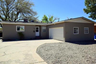 Single Family Home For Sale: 1108 Espejo Street NE