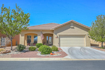 Bernalillo Single Family Home For Sale: 1021 Golden Yarrow Trail