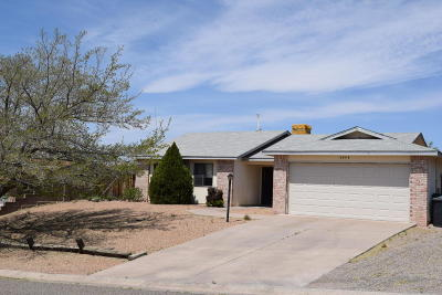 Rio Rancho Single Family Home For Sale: 4309 David Court Court NE
