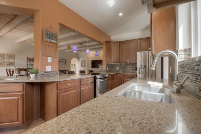 Albuquerque Single Family Home For Sale: 2812 Campbell Road NW #APT A