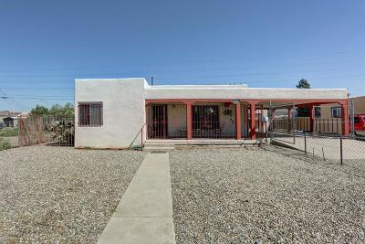 Albuquerque Single Family Home For Sale: 517 McKnight Avenue NW