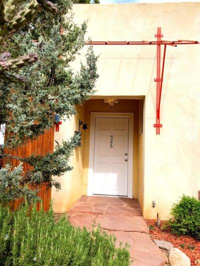 Albuquerque Single Family Home For Sale: 526 Wellesley Drive SE