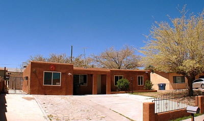Albuquerque Single Family Home For Sale: 1517 Gschwind Place SW