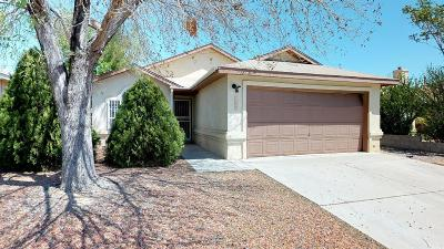 Albuquerque NM Single Family Home For Sale: $135,000