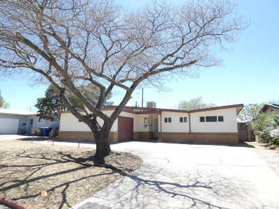 Albuquerque NM Single Family Home For Sale: $105,000