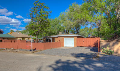 Corrales Single Family Home For Sale: 70 Priestly Place