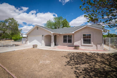 Valencia County Single Family Home For Sale: 1030 Cypress Court SE
