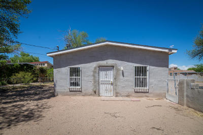 Albuquerque Single Family Home For Sale: 2013 Arenal Road SW