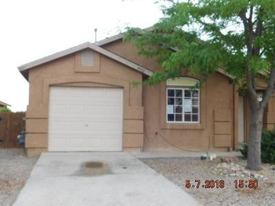 Albuquerque Single Family Home For Sale: 9912 Rawhide Avenue SW