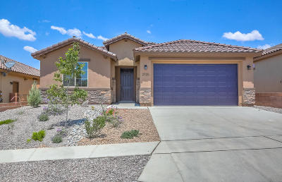 rio rancho Single Family Home For Sale: 2725 Bayas Road SE