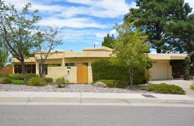 Albuquerque Single Family Home For Sale: 2539 Harold Place NE