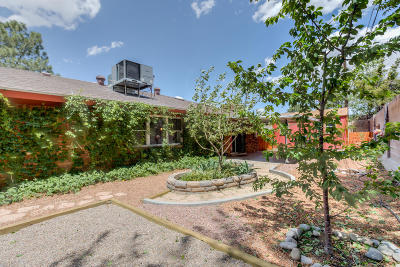 Albuquerque Single Family Home For Sale: 3124 Vermont Street NE