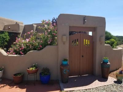 Tijeras, Cedar Crest, Sandia Park, Edgewood, Moriarty, Stanley Single Family Home For Sale: 4 Vista De Jemez