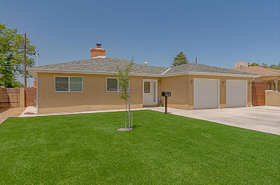 Albuquerque Single Family Home For Sale: 2045 Garcia Street NE
