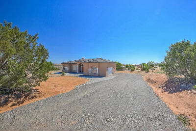 Tijeras, Cedar Crest, Sandia Park, Edgewood, Moriarty, Stanley Single Family Home For Sale: 18 Tierra Del Sol Drive