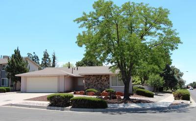 Single Family Home For Sale: 6600 Christy NE
