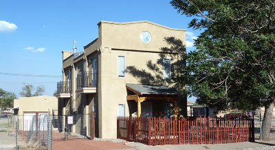 Albuquerque Single Family Home For Sale: 704 2nd Street SW
