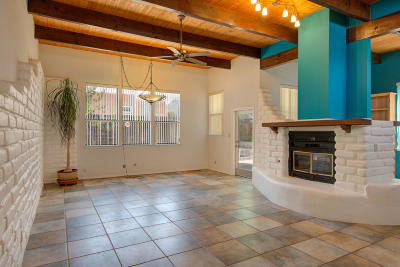 Bernalillo County Single Family Home For Sale: 2709 Tramway Circle NE