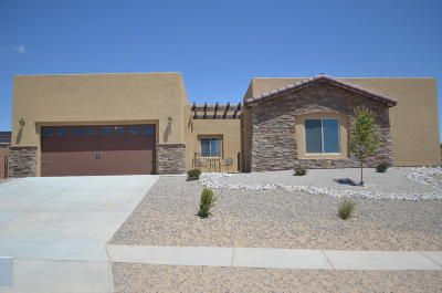 Bernalillo Single Family Home For Sale: 1063 Contabella Lane
