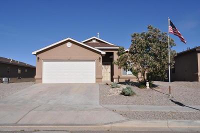 Albuquerque, Rio Rancho Single Family Home For Sale: 635 Redwood Street SW