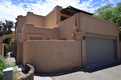 Albuquerque Attached For Sale: 801 Southeast Circle NW