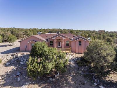 Tijeras, Cedar Crest, Sandia Park, Edgewood, Moriarty, Stanley Single Family Home For Sale: 25 Camino Collado