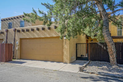 Albuquerque Attached For Sale: 127 Calle Olas Altos NE