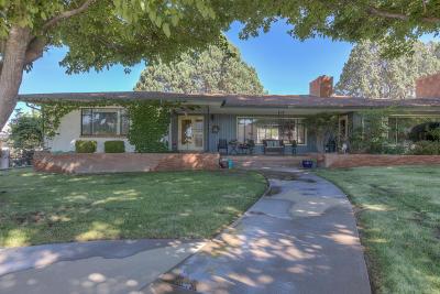 Single Family Home For Sale: 4215 Avenida La Resolana NE