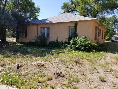 Albuquerque Single Family Home For Sale: 3308 Herrera Road NW