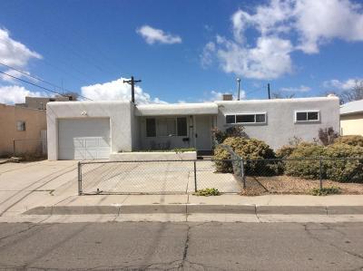 Albuquerque Single Family Home For Sale: 2121 Martha Street NE