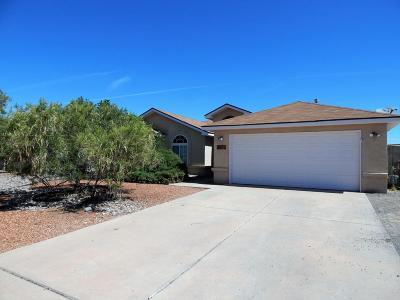 Valencia County Single Family Home For Sale: 40 Milton Loop