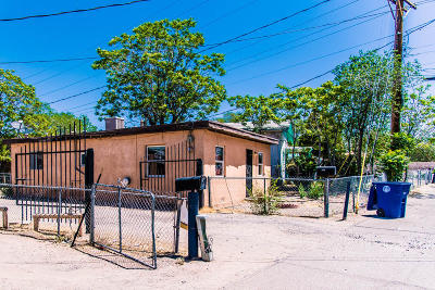 Albuquerque Multi Family Home For Sale: 319 Granite Avenue NE