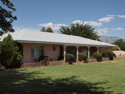 Los Ranchos Single Family Home For Sale: 505 Tyler Road NW