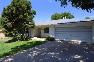 Single Family Home For Sale: 6709 Barber Place NE