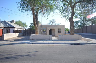 Albuquerque Single Family Home For Sale: 305 Woodland Avenue NW
