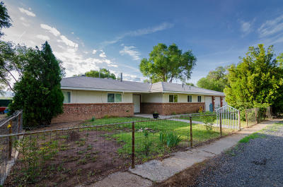 Valencia County Single Family Home For Sale: 9 Loboy Drive