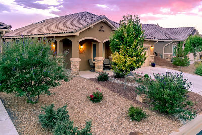 Bernalillo Single Family Home For Sale: 823 Golden Yarrow Trail