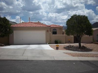 Albuquerque NM Single Family Home For Sale: $221,000