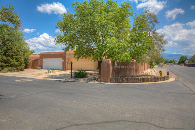 Attached For Sale: 6600 Las Casitas Court NW