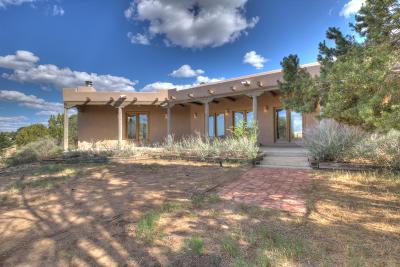 Tijeras Single Family Home For Sale: 62 Anne Pickard Loop